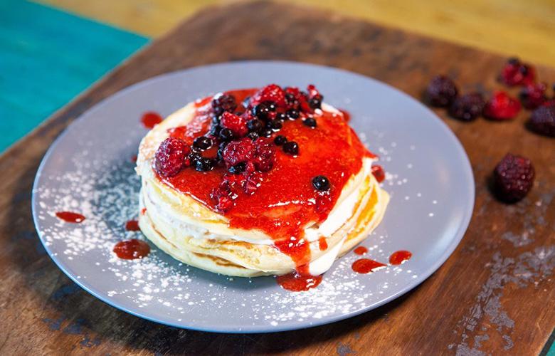 3 Cheesecake BerriesPancake LOW