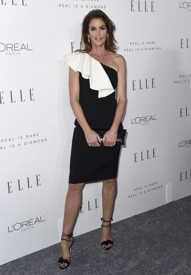 Elle Women in Hollywood Awards 2017: Ένα κόκκινο χαλί με πολύ (Calvin Klein) στιλ