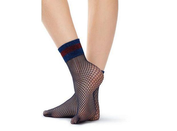 Socks mania: Τα καλτσάκια είναι το επόμενο αξεσουάρ στο οποίο θα επενδύσεις