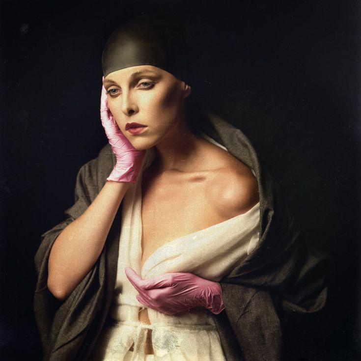 Πρωτιά για τη Νατάσα Παζαΐτη στο φωτογραφικό διαγωνισμό Pink Glove
