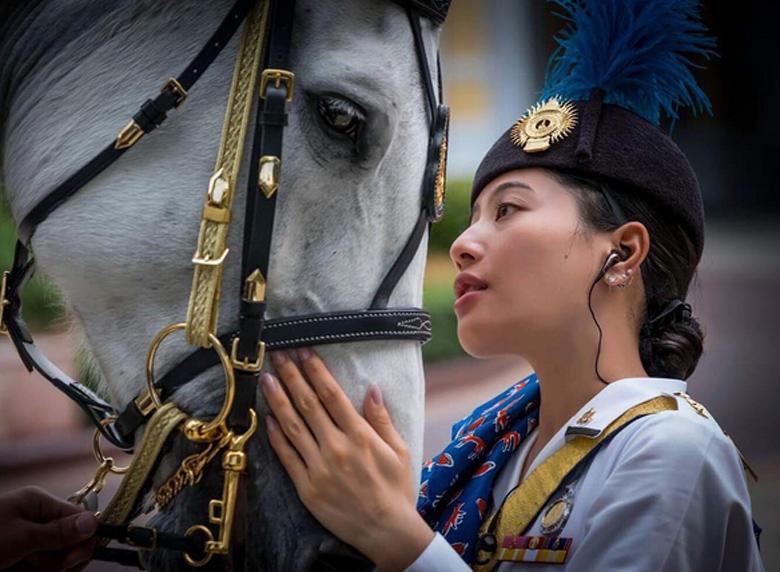 H πριγκίπισσα της Ταϊλάνδης είναι μια από τις πιο καυτές γαλαζοαίματες