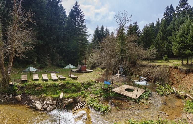 Παύλιανη, ένα χωριό σκαρφαλωμένο στα 1.030 μέτρα του όρους Οίτη