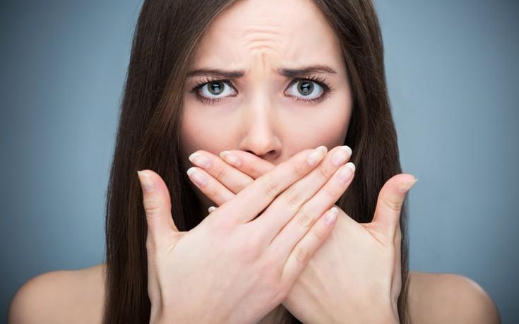 Πώς να καταπολεμήσετε την κακοσμία του στόματος