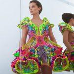 Αλγόριθμοι και 25.000 Σβαρόφσκι για ένα χάι τεκ φόρεμα