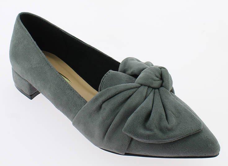 Βάζουμε τα δυο μας πόδια σε πολλά παπούτσια στο iqshoes.gr