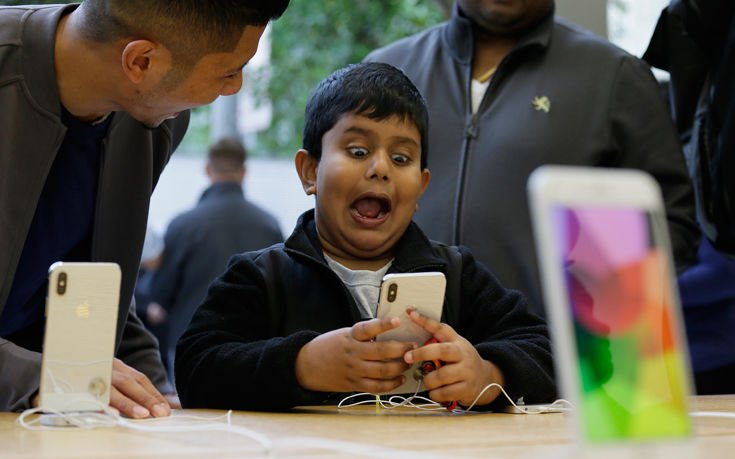 Τον εθισμό των παιδιών στο iPhone καλείται να ερευνήσει η Apple