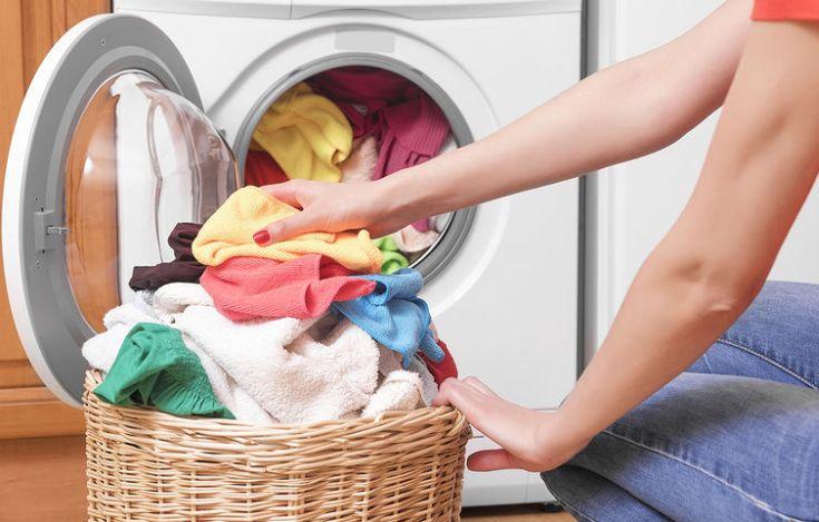 Πώς να μη μένουν λεκέδες από απορρυπαντικά στα ρούχα