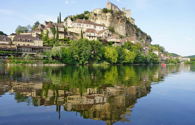 Beynac et Cazenac, ένα μεσαιωνικό χωριό σκαρφαλωμένο πάνω στα βράχια