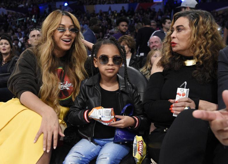 Η κόρη της Beyoncé πρόσφερε 19.000 δολάρια σε δημοπρασία τέχνης