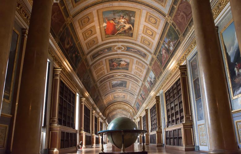 Οι τουρίστες θέλουν Ναπολέοντα και οι Γάλλοι ανοίγουν το Φοντενεμπλό!