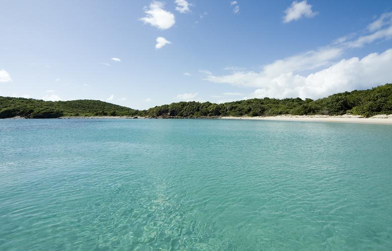 Οι μυστικές παραλίες του νησιού Βιέκες