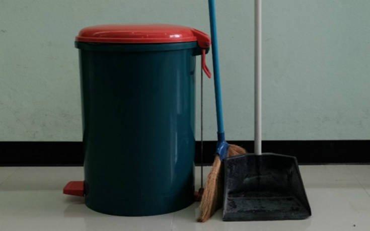 Τρεις λύσεις για να μην μυρίζει ο κάδος των σκουπιδιών σας