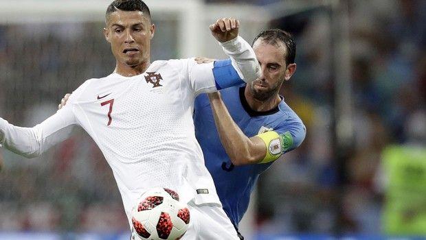 ronaldo godin uruguay portugal
