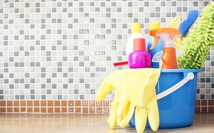Τρία κόλπα στο καθάρισμα που χρησιμοποιούσαν οι παλιές νοικοκυρές