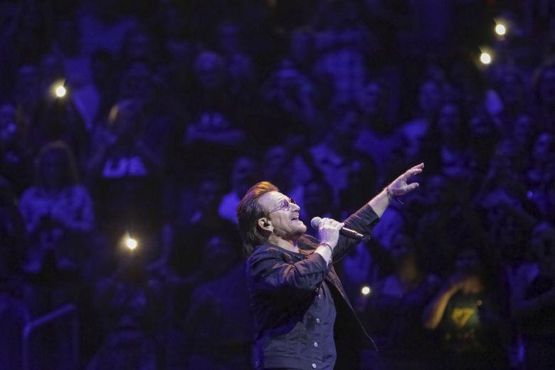 Ο ναζιστικός χαιρετισμός του Bono