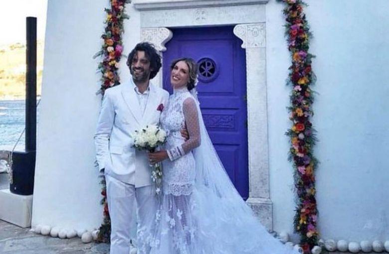 Ο παραμυθένιος γάμος της Αθηνάς Οικονομάκου