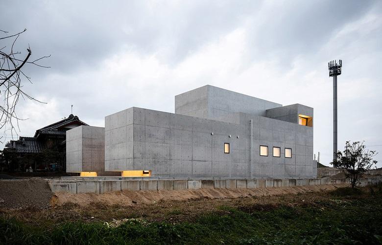 Το τσιμεντένιο σπίτι που μετέτρεψε το σκληρό μπετό σε γαλήνιο ησυχαστήριο