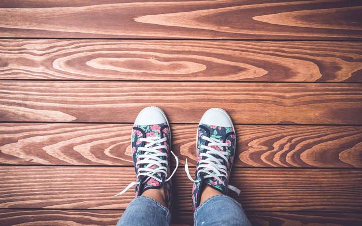 Το κόλπο για να μην τρίζει το ξύλινο πάτωμα