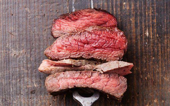 «Το να απαρνηθούμε το κρέας θα μπορούσε να σώσει εκατομμύρια ζωές»