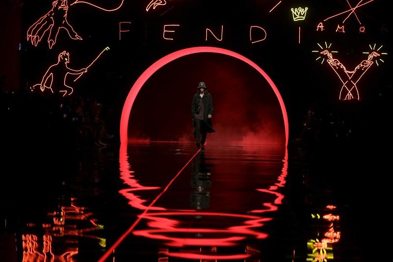 Επίδειξη μόδας στη Σαγκάη ετοιμάζει ο οίκος μόδας Fendi