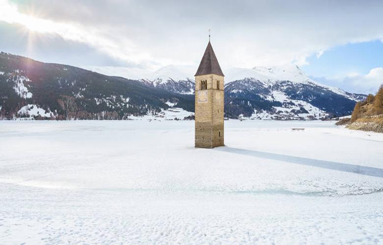 Λίμνη Resia, το αρχαίο βυθισμένο χωριό