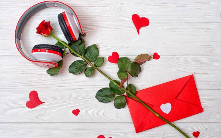 Γιορτή της Μητέρας 2019: Υπέροχα τραγούδια αφιερωμένα στις μαμάδες