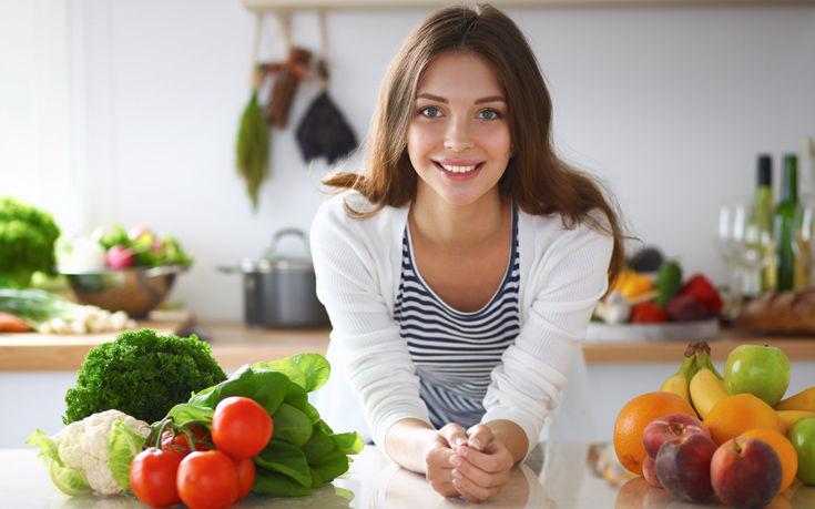 Τι πρέπει να αποφεύγουμε να τρώμε ή να πίνουμε με άδειο στομάχι