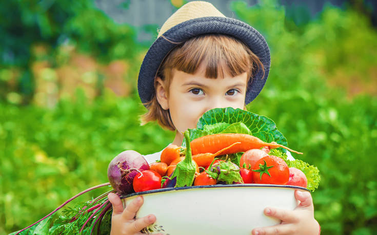 Αυτός είναι ένας απλός τρόπος για να δοκιμάσει το παιδί νέα τρόφιμα
