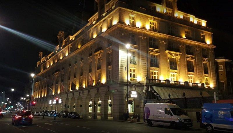 «Μήλον της έριδος» το ξενοδοχείο Ritz του Λονδίνου