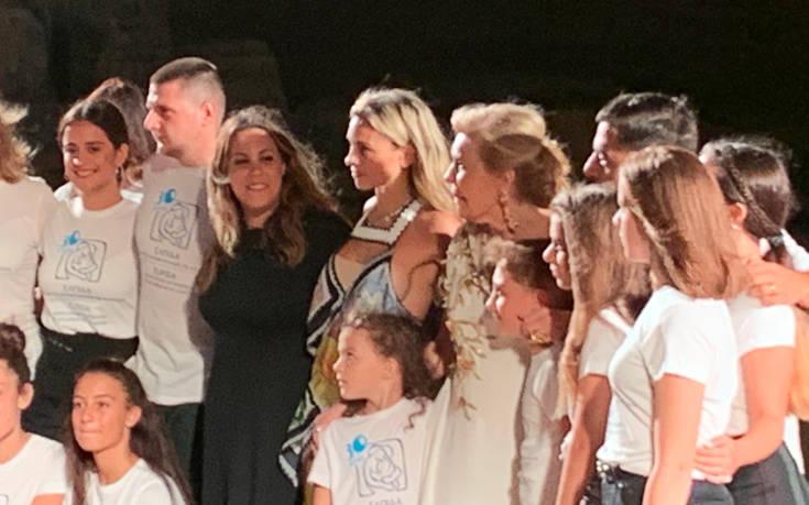 Το εντυπωσιακό fashion show της Μαίρης Κατράντζου στο Ναό του Ποσειδώνα στο Σούνιο
