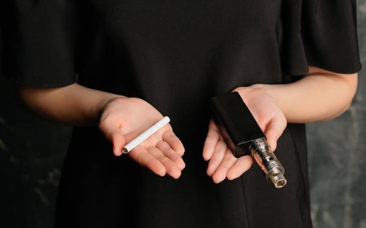 Εκρηκτικό κοκτέιλ για την υγεία το συμβατικό και το ηλεκτρονικό τσιγάρο