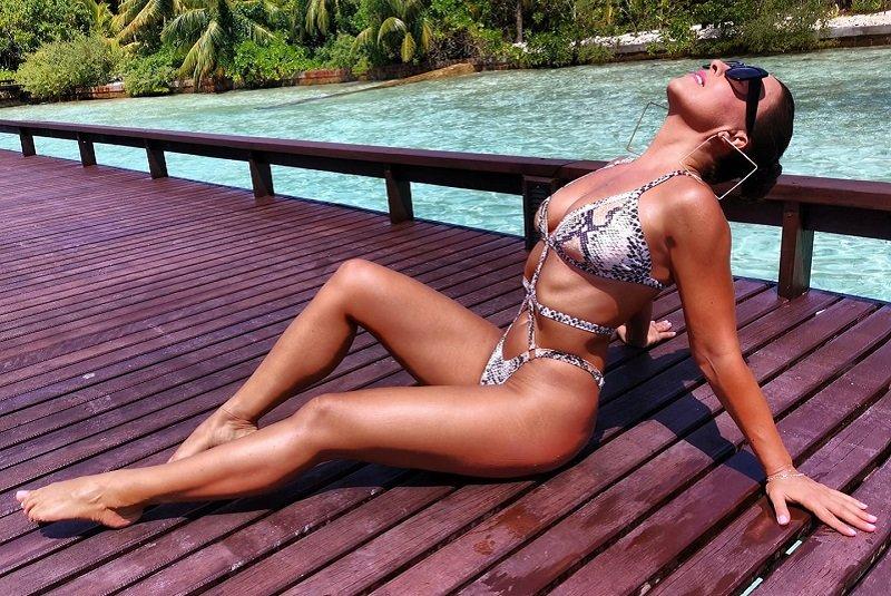 Χριστίνα Πάζιου: Τα… ανοίγματα της γυμνάστριας στην πισίνα