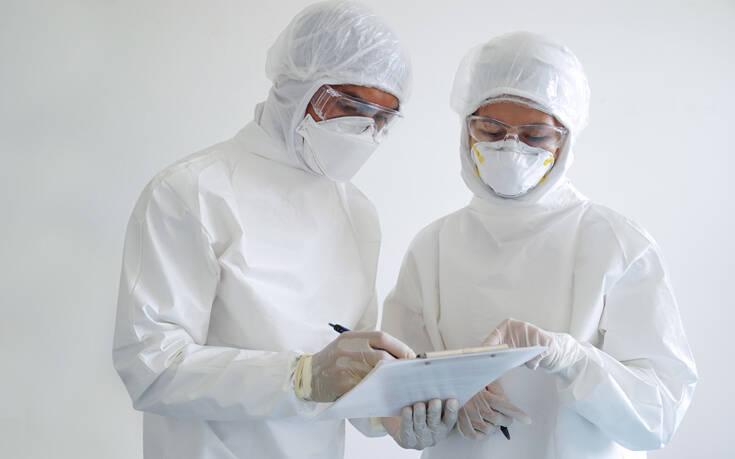 Κορονοϊός: Η σκληρή απόφαση που συχνά καλούνται να πάρουν οι γιατροί