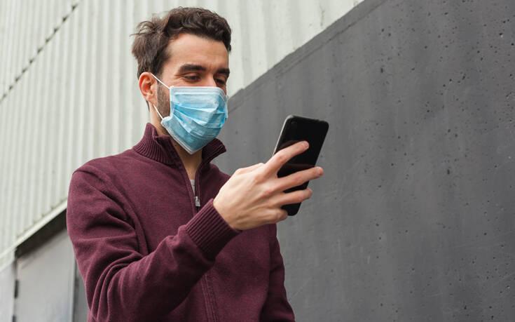 «Ψηφιακός βοηθός» για τον κορονοϊό: Η πρώτη τηλεφωνική γραμμή βοήθειας με τεχνητή νοημοσύνη