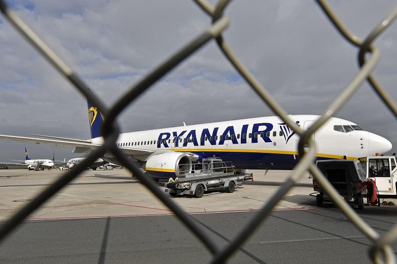 Κοροναϊός: Κόβει 3.000 θέσεις εργασίας η Ryanair