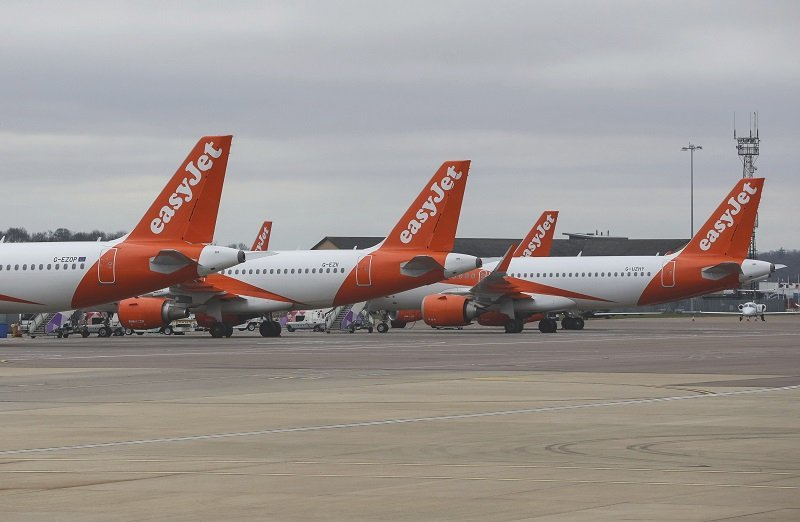 Πότε ξεκινά πτήσεις η easyJet – Επιβάτες και πλήρωμα θα φορούν μάσκες