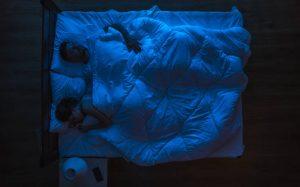 Ο ύπνος στο ίδιο κρεβάτι βοηθά τα ζευγάρια – Εμβαθύνουν τη σχέση τους και βλέπουν περισσότερα όνειρα