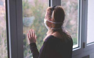 Με αντικαταθλιπτικά, αντιβιοτικά και αγχολυτικά στην καραντίνα οι Έλληνες