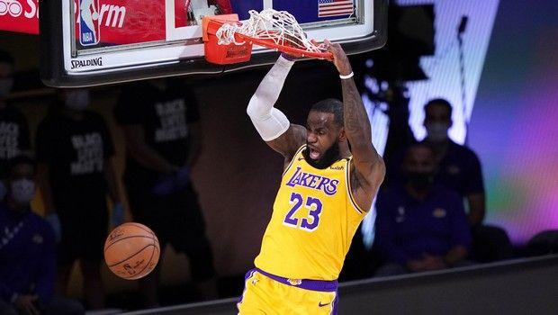 NBA Top 5: Οι Λος Άντζελες Λέικερς παίζουν… μόνοι τους