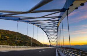 Η ελληνική γέφυρα και το χαρακτηριστικό της που την κάνει να ξεχωρίζει μαζί με άλλες παγκοσμίως