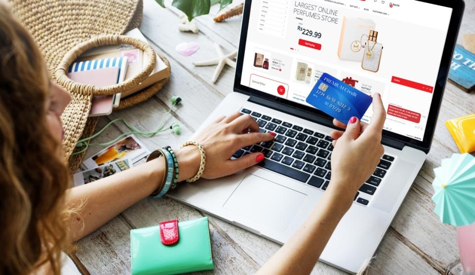 πλεονεκτήματα-αγορά-online-αρωμάτων