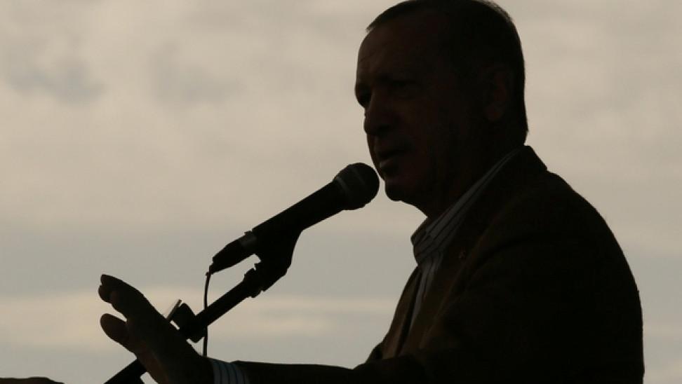 erdogan tourkia skia ape