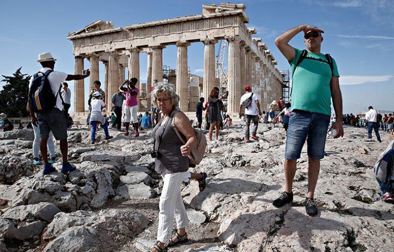 Μαζική αύξηση των κρατήσεων από Βρετανούς για ελληνικούς προορισμούς – News.gr