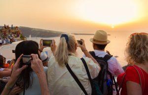 «Οι επισκέπτες κάθονται πάνω σε έτοιμες βαλίτσες» – News.gr