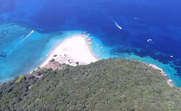 Το εξωτικό ελληνικό νησί που μοιάζει με χελώνα – News.gr