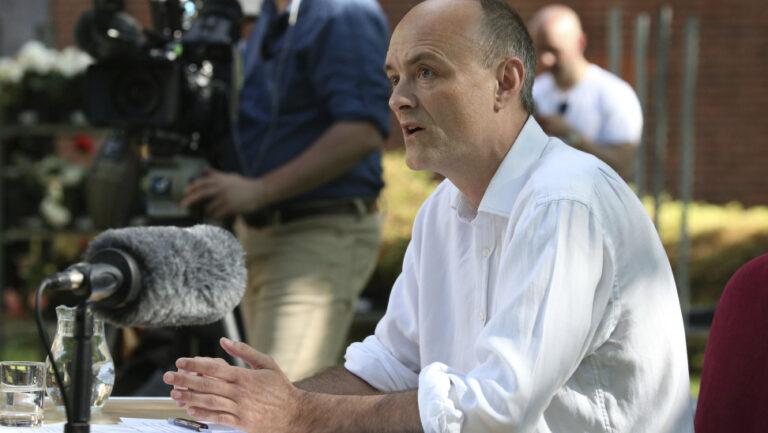 Αποκαλύψεις Κάμινγκς: Ο Τζόνσον είπε ας στοιβαχτούν τα πτώματα κατά χιλιάδες