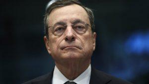 «Χουβαρντάς» ο Ντράγκι: Παραιτείται από τον πρωθυπουργικό μισθό του