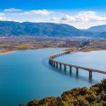 Η Υψηλή Γέφυρα της Ελλάδας που περνάει πάνω από λίμνη – News.gr