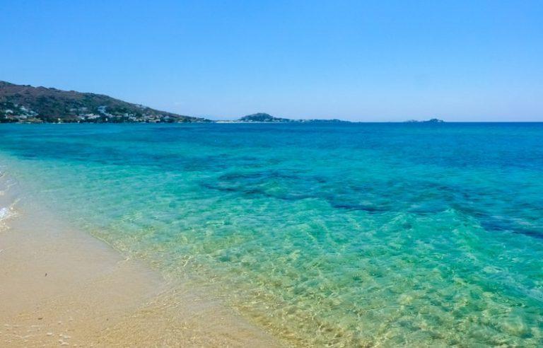Η παραλία Πλάκα με τους απέραντους αμμόλοφους – News.gr