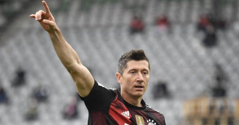Κορυφαίος παίκτης της σεζόν 2020/2021 ο Λεβαντόφσκι